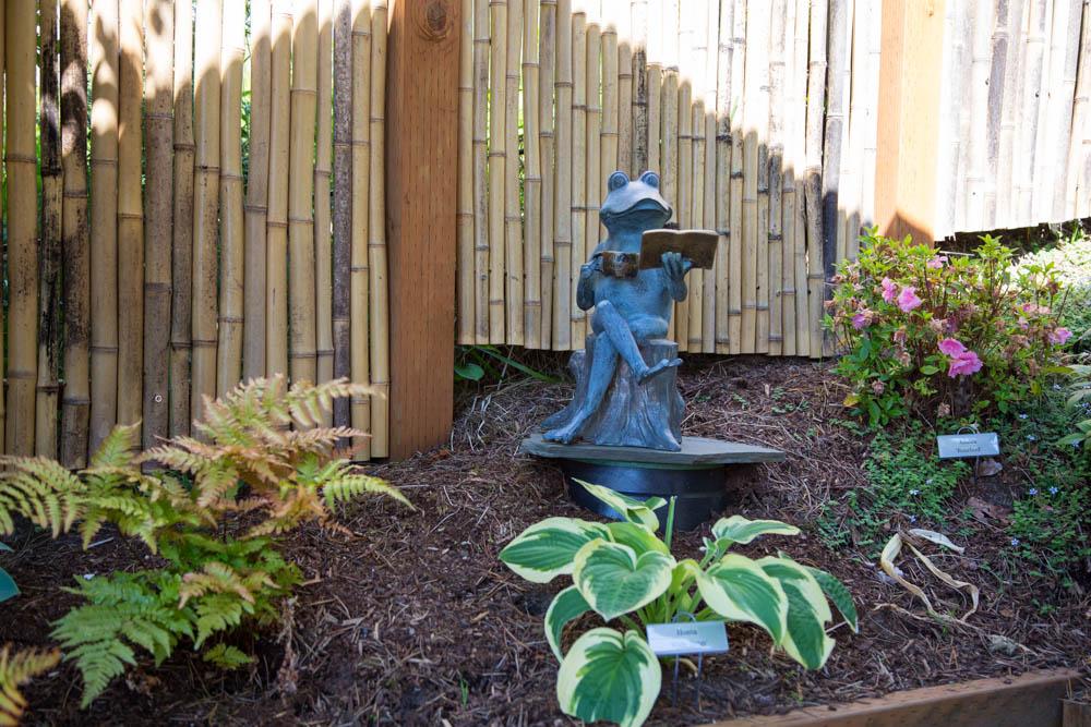 Tea House Garden with Wally